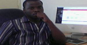 Tobem 33 years old I am from Maputo/Maputo, Seeking Dating Friendship with Woman