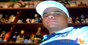 Wilfenzon 34 years old I am from Caracas/Distrito Capital, Seeking Dating Friendship with Woman