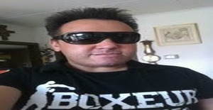 Sandro_titi 48 years old I am from Carouge/Geneva, Seeking Dating with Woman