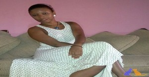 Irsia 35 years old I am from Maputo/Maputo, Seeking Dating Friendship with Man