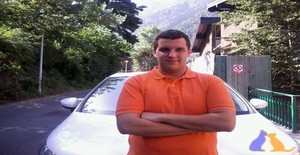 Helder__27 31 years old I am from Escaldes-Engordany/Escaldes-Engordany, Seeking Dating Friendship with Woman
