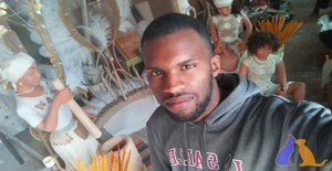 Richard Moriss 20 years old I am from Praia/Ilha de Santiago, Seeking Dating Friendship with Woman