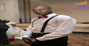 Zekss 23 years old I am from Maputo/Maputo, Seeking Dating Friendship with Woman